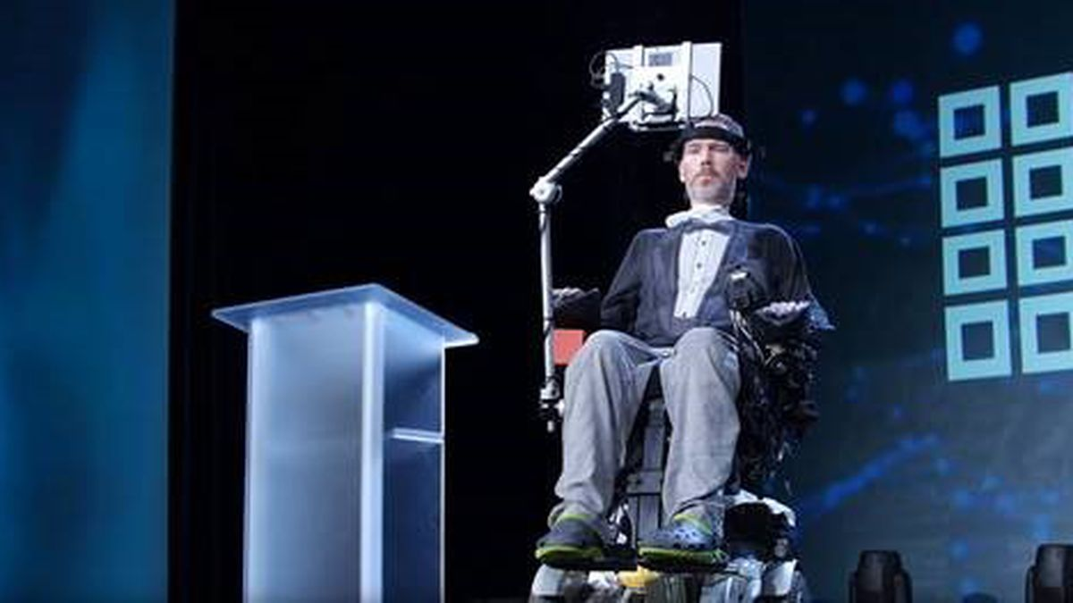 President signs legislation to award Steve Gleason with Congressional Gold Medal