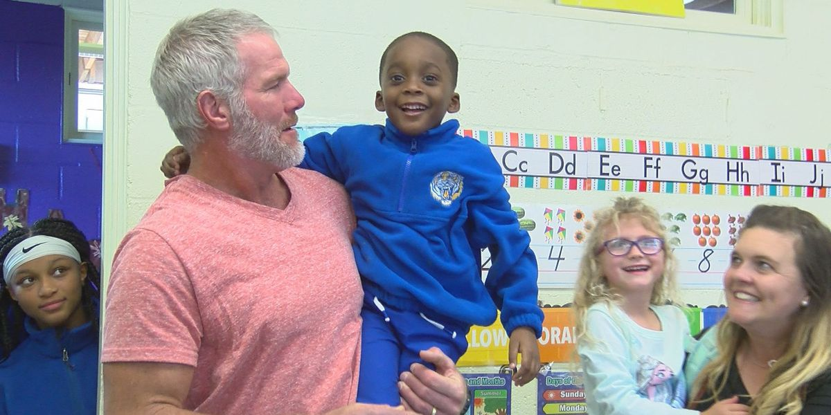 'I was one of them long ago': Brett Favre talks to kids at Boys and Girls Club