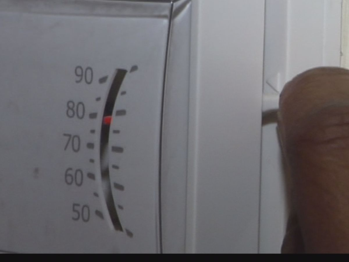 Some people are heated by fed's money-saving thermostat tips