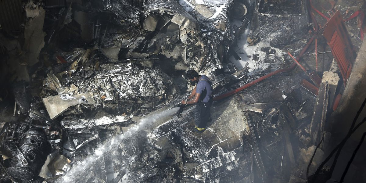 Pakistani girl dies of her injuries from Karachi plane crash
