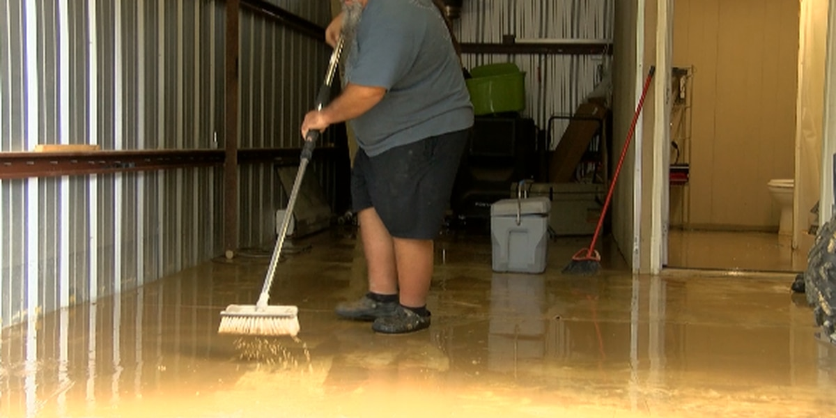 Franklin County residents clean up from overnight flooding