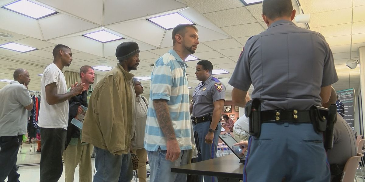 Re-entry service fair helps inmates get back on their feet