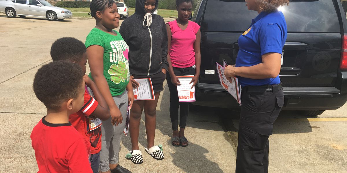 Hinds Sheriff's Department gives toys and lunches in Terry