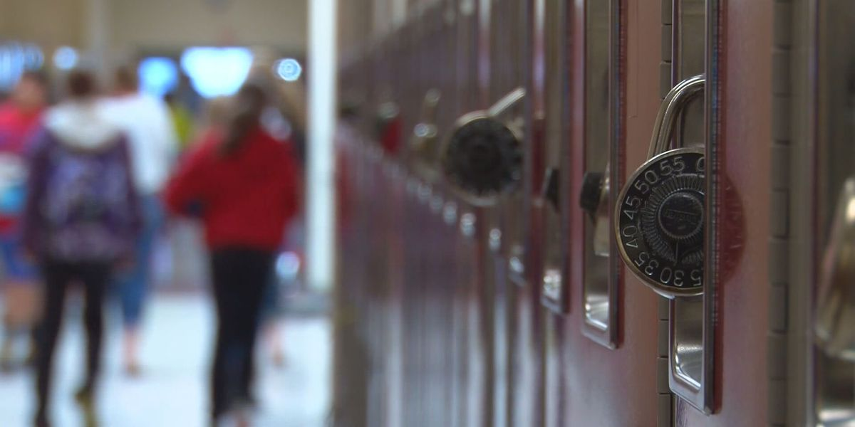 Mississippi school board to discuss takeovers of 5 districts