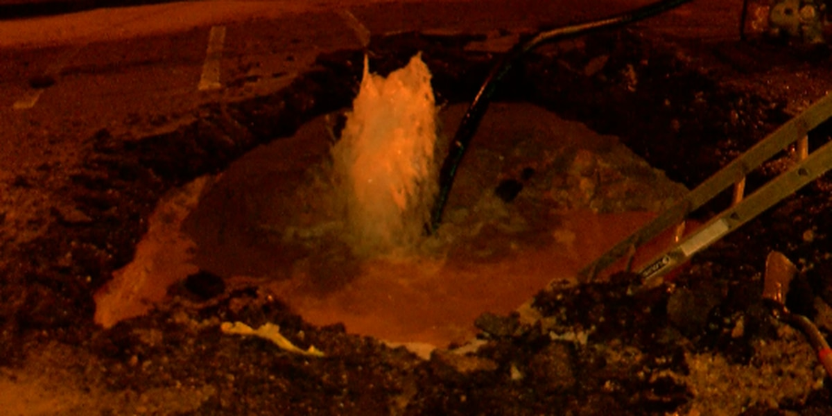Water main break repaired after geyser spurts water on downtown street