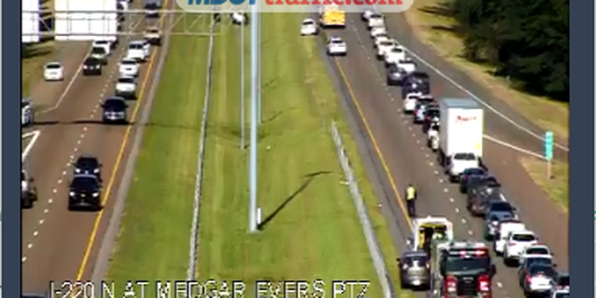 Crash stalling traffic on I-220 NB at Medgar Evers Blvd