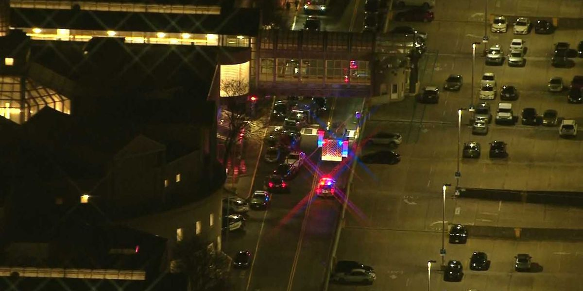 Mall in New Jersey evacuated after food court shooting