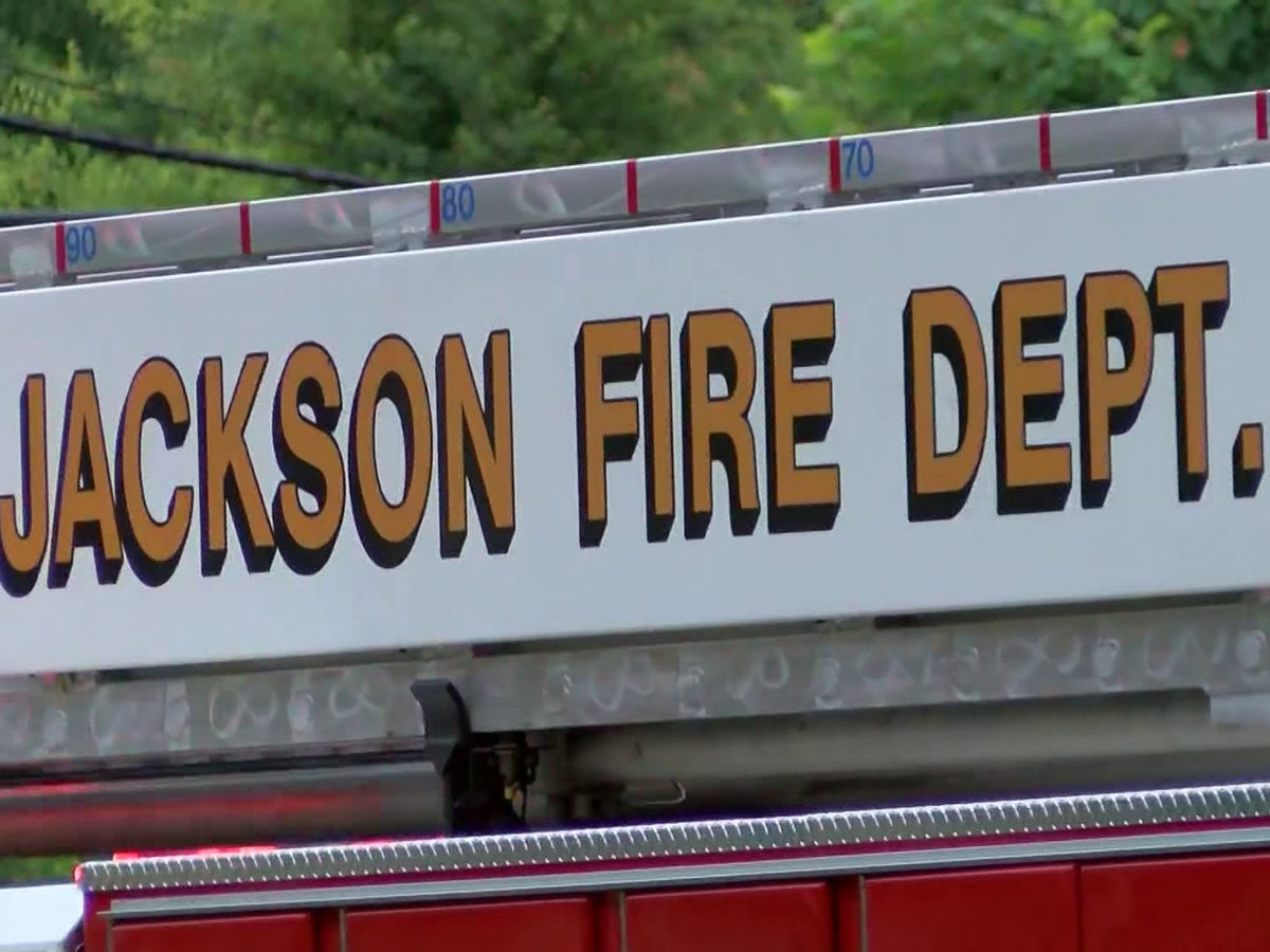 JFD responds to fire on Woodview Drive