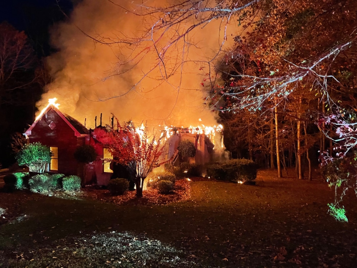Rankin County home a total loss after overnight fire
