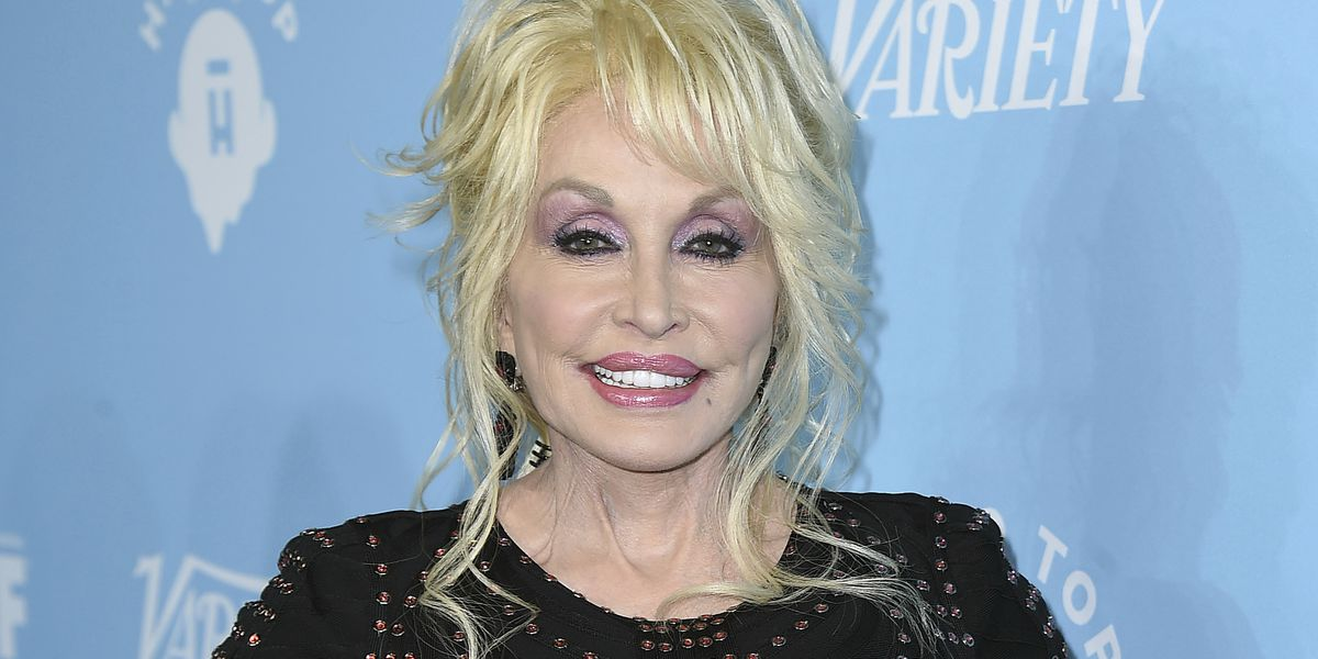Obama admits not awarding Dolly Parton the Medal of Freedom was a 'screw up'