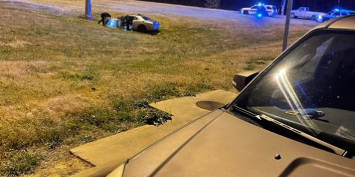 Man arrested after leading chase from Flowood, crashing in Jackson