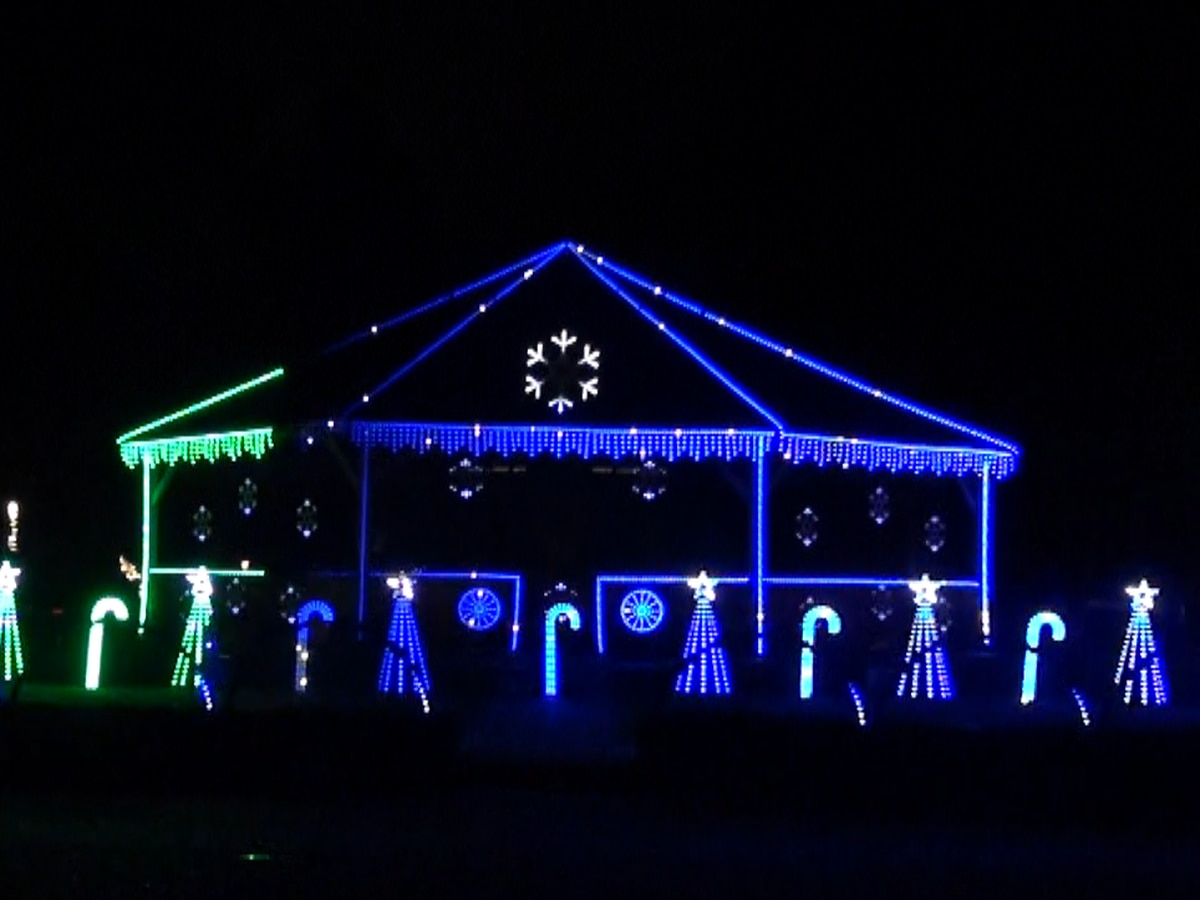 Crystal Springs light show brings joy to community during pandemic
