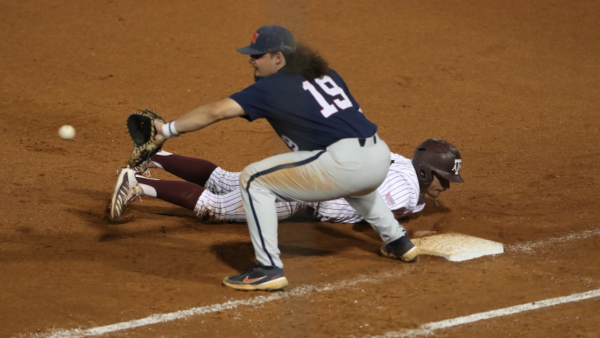 Hoglund exits early with injury, Texas A&M walks off Ole Miss