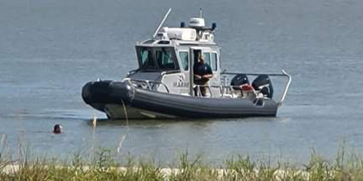 Police chase in Biloxi moves from land into the water
