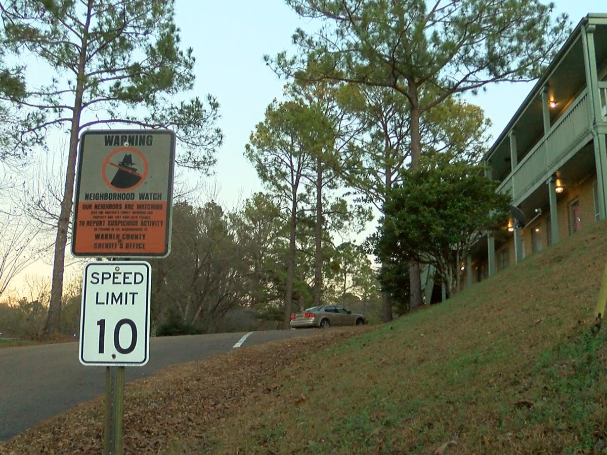 3 days, 2 shootings, 1 dead: Related shootings at Warren County apartments worry residents