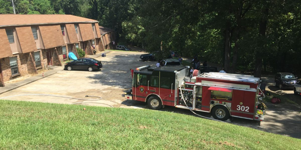 No one injured after grease fire breaks out at Warren County apartment complex