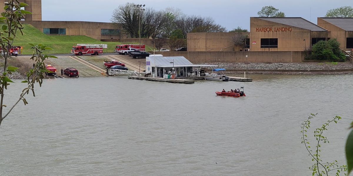 MPD investigating after body pulled from Mississippi River