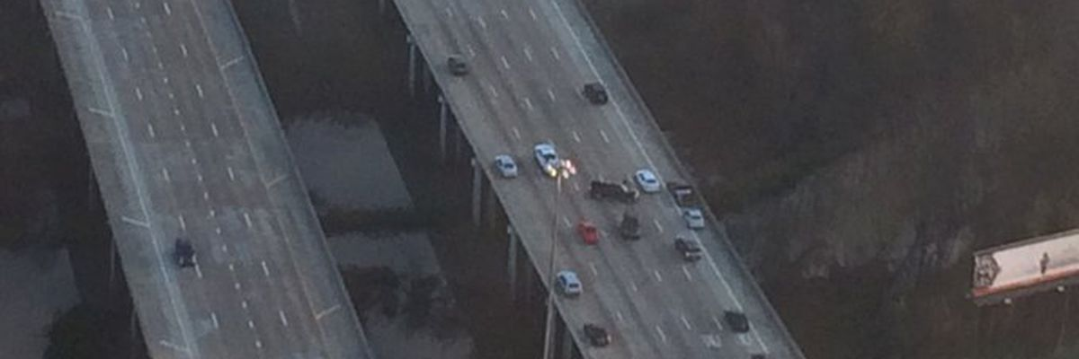 Multi-car pile up on I-55N at Pearl St.