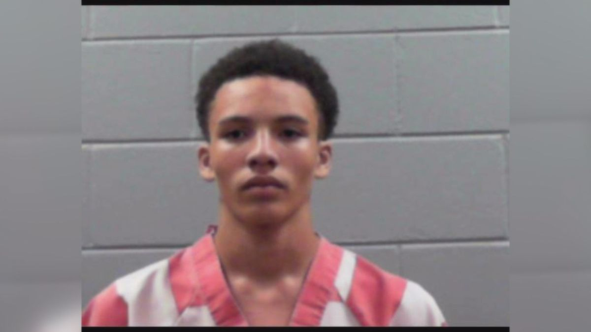 Home invasion suspect on the run from Rankin County authorities