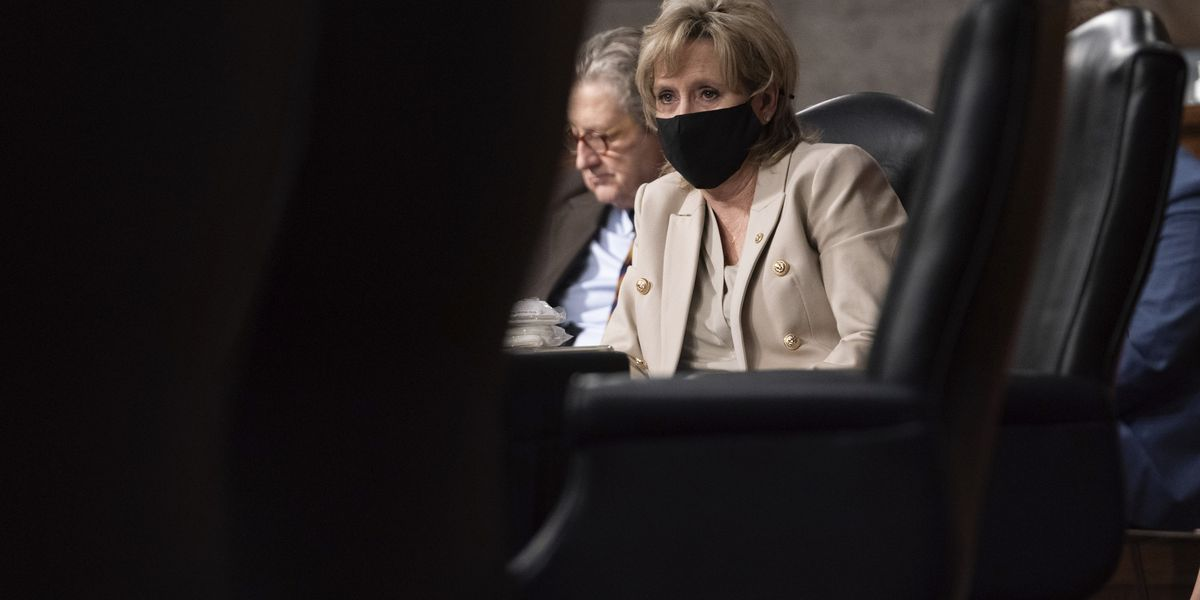 'Remember them': Hyde-Smith faces online scrutiny after opposing Electoral College vote