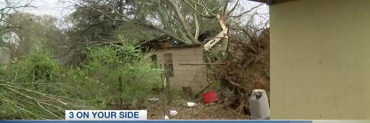 Residents clean up after tornado in Edwards