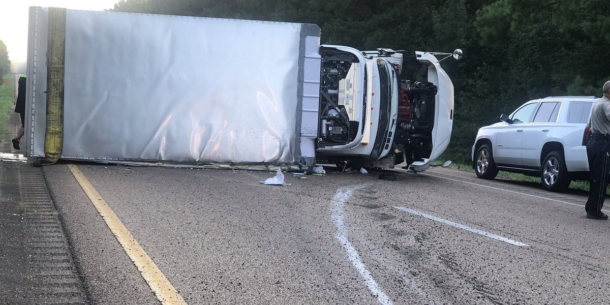 MHP: Scene clear after trailer overturned on I-55 NB at MM 48