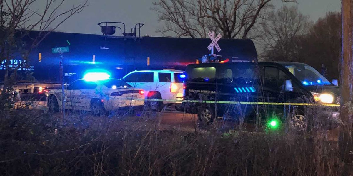 Officials identify 2 killed in Marshall County, MS train crash