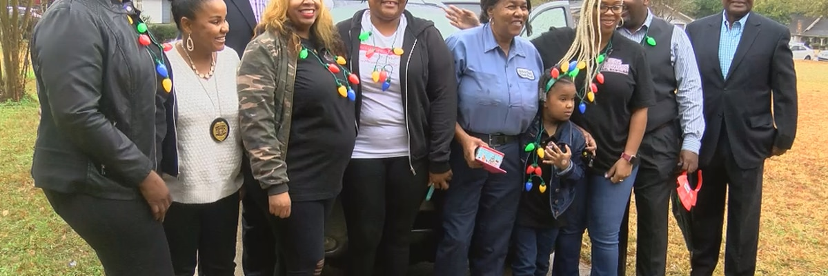 School custodian who relied on JATRAN to get to work given new car for Christmas
