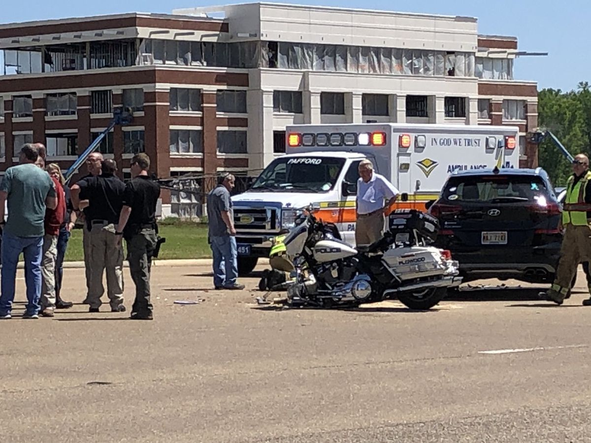 Motorcycle officer and civilian injured after accident near Dogwood