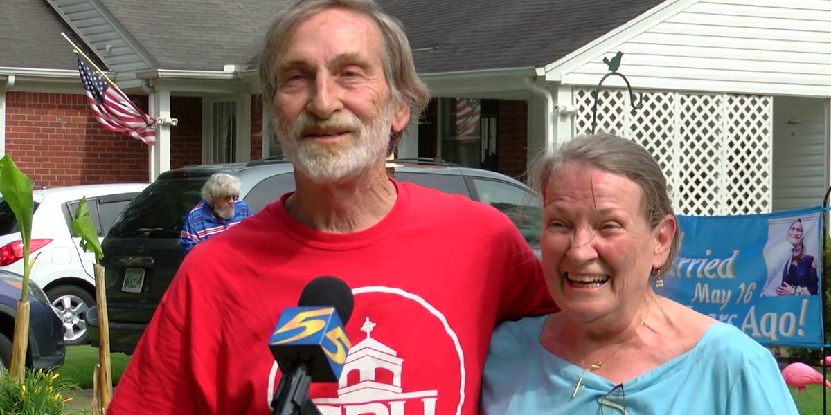 Family, friends throw surprise 50th anniversary celebration for Memphis couple