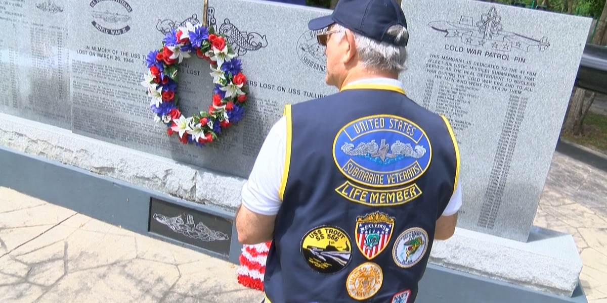 U.S. Navy veterans honor lost submariners on USS Tullibee