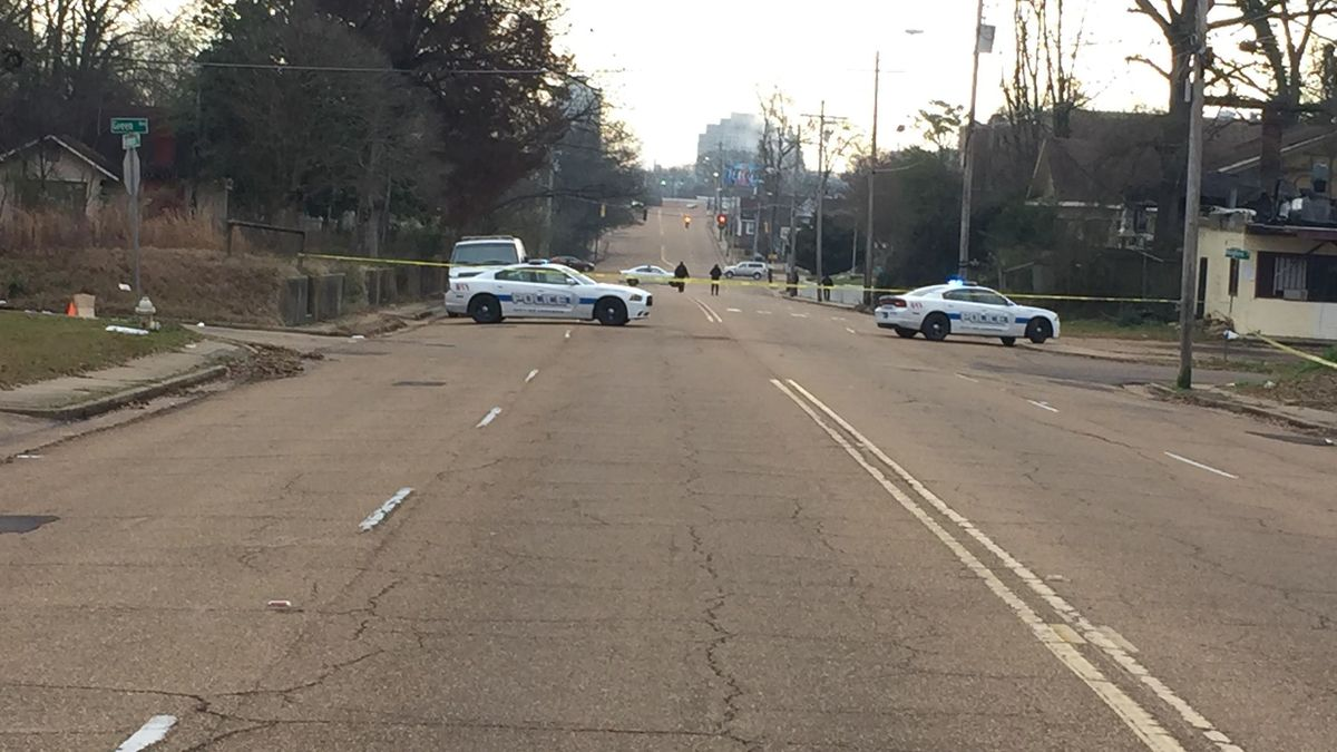 Man in very critical condition after shooting on Robinson Rd.