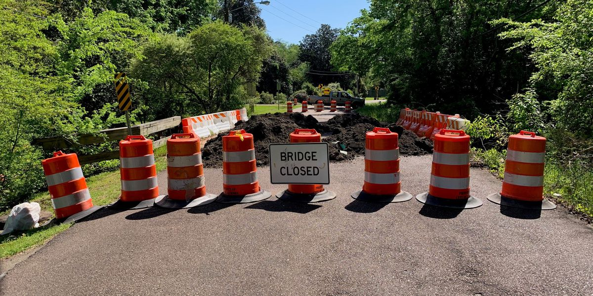 Timber Bridge on Colonial Circle indefinitely closed for repairs