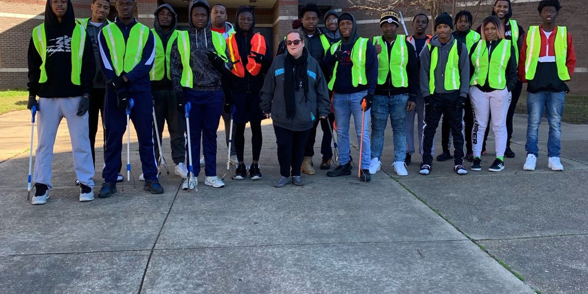 Forest Hill students pick up litter on Martin Luter King Jr. Day