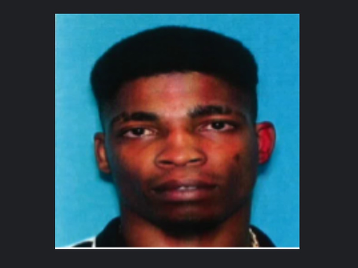 Vicksburg man in critical condition after being shot; Police searching for 36 yr. old suspect