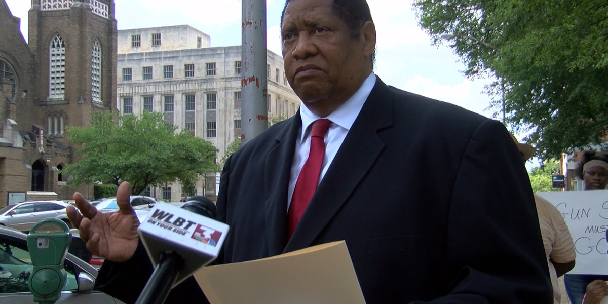 Councilman Kenneth Stokes says gun crime must end