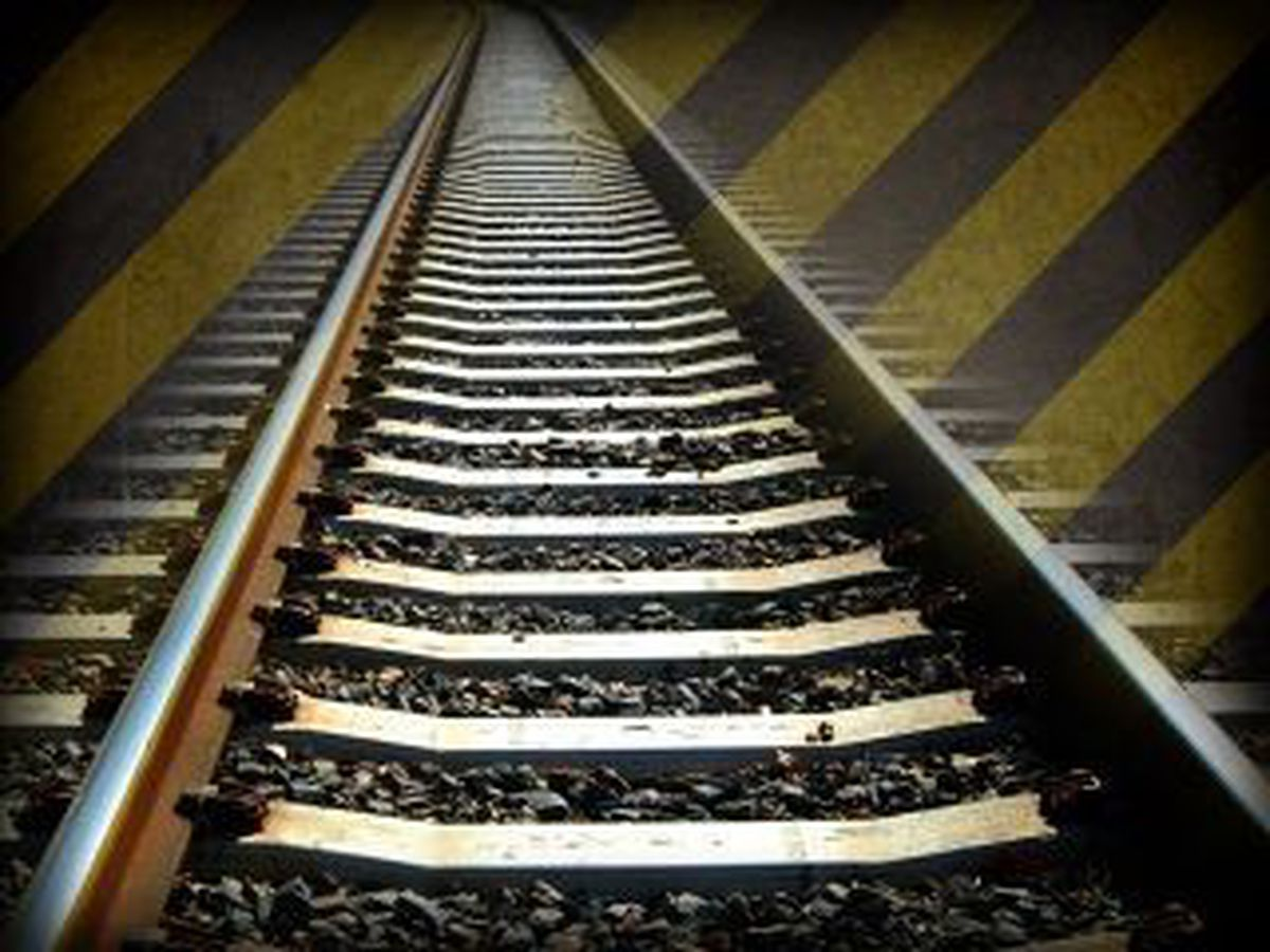 Man killed in train vs. car crash in Holmes Co.