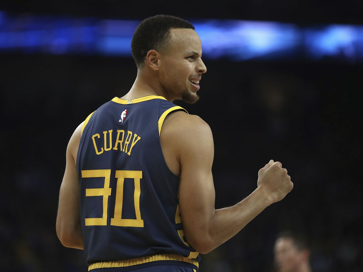 Curry becomes 5th Warrior with 15,000 regular-season points