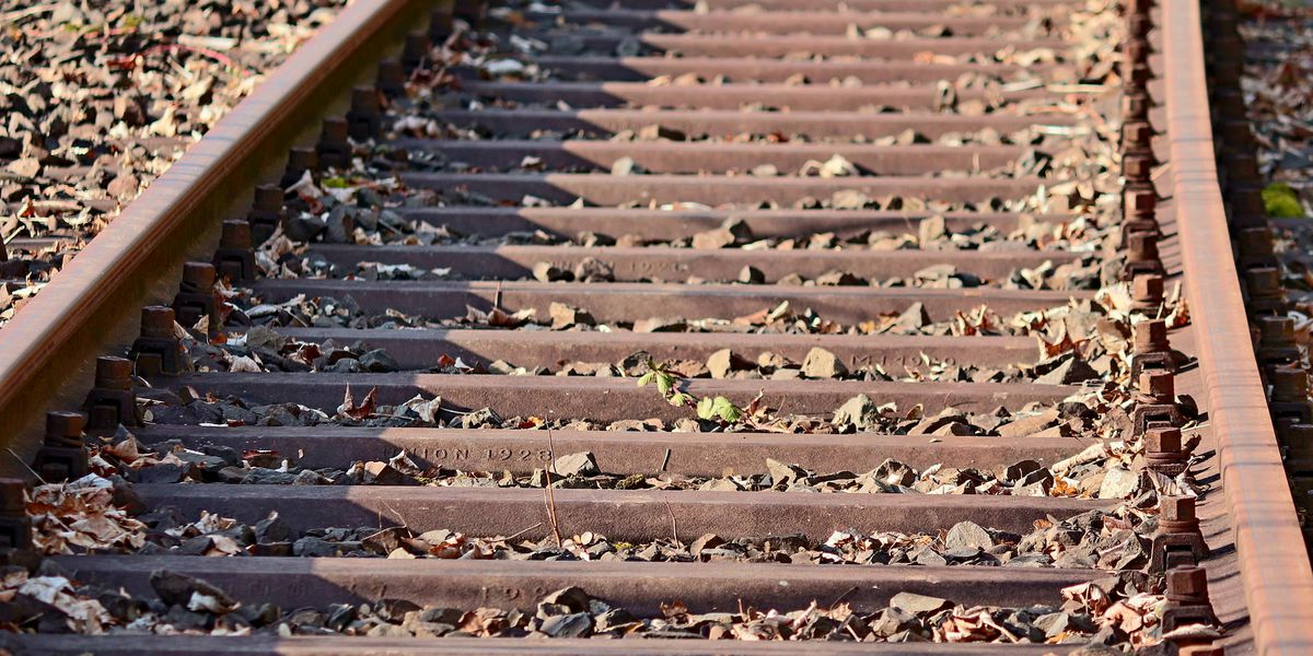 Person hit, killed by train in Mendenhall