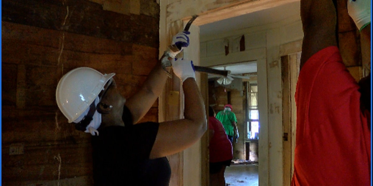 Women build homes for Habitat for Humanity