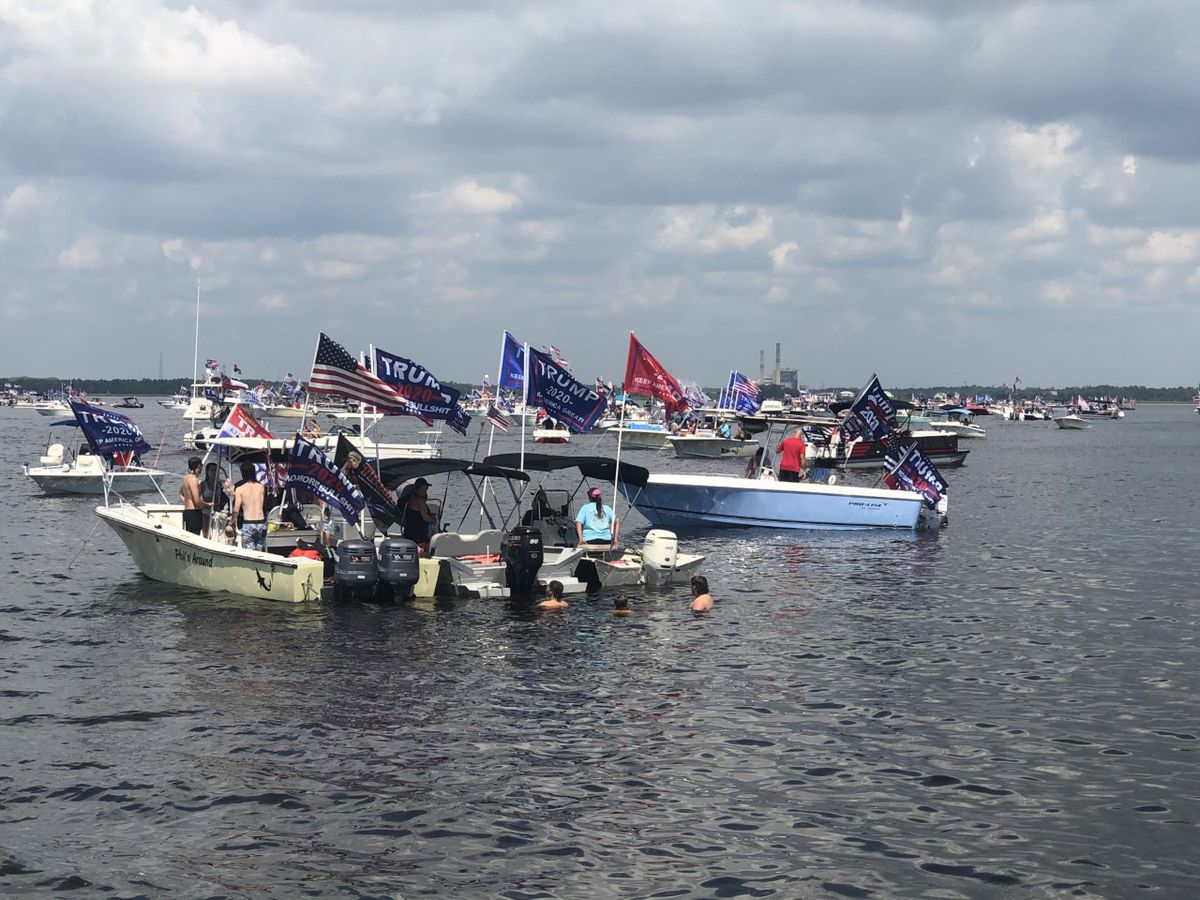 Hundreds of President Trump supporters hold boat parade in Biloxi