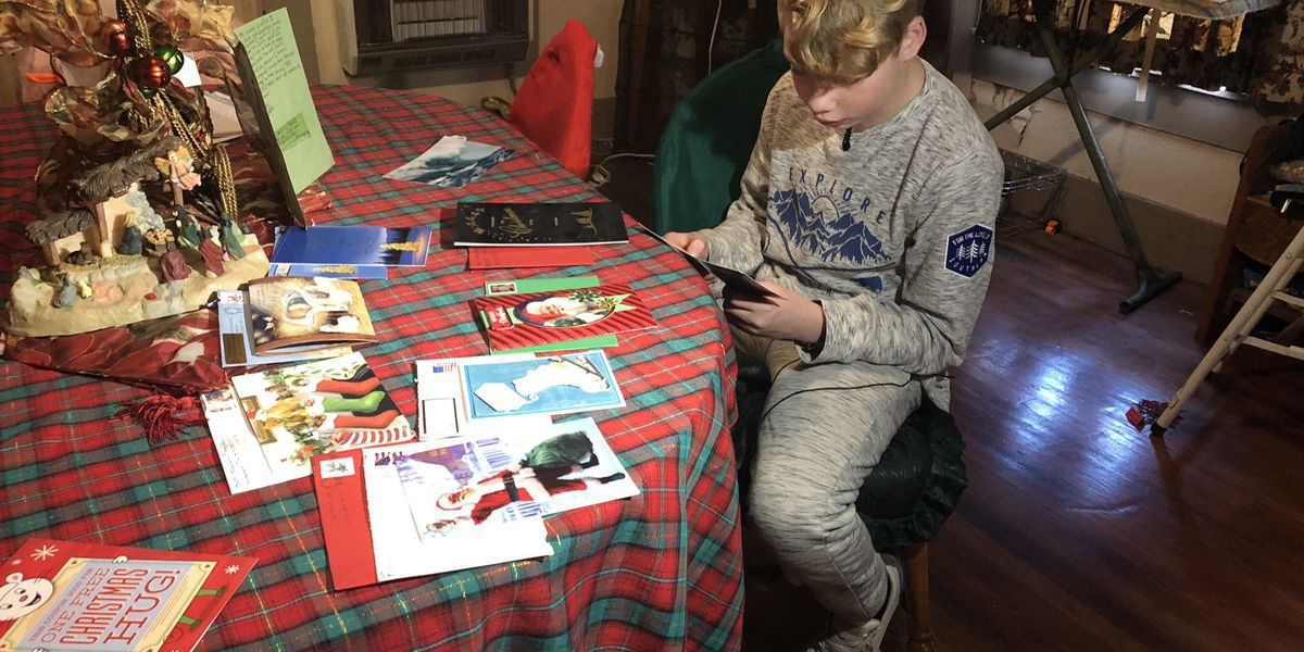 Pine Belt teen with heart condition reads Christmas cards