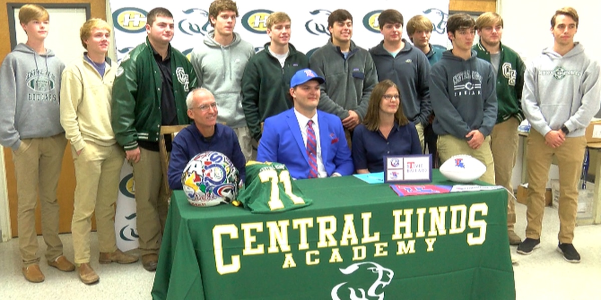 Ballard becomes Central Hinds' first D-I football signee