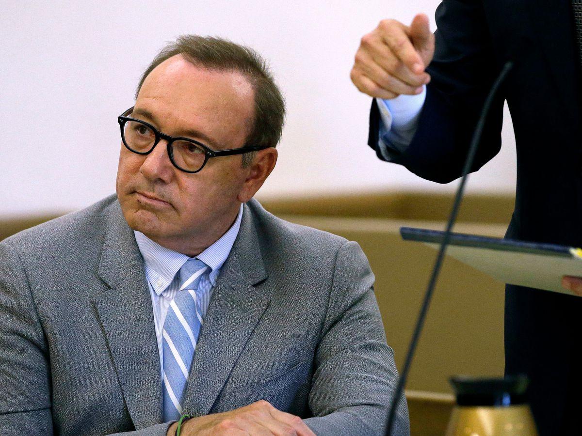 Prosecutors drop groping case against Kevin Spacey