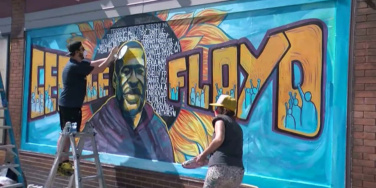 Family demands charges against 4 officers in Floyd's death