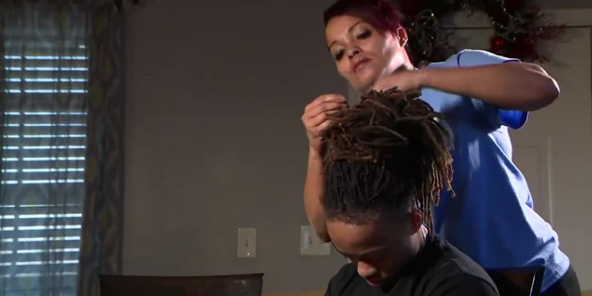 Texas teen receives in-school suspension, can't walk at graduation over dreadlocks' length