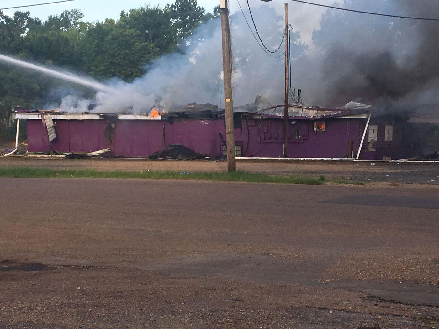 Building on fire on McDowell Road; Source: WLBT