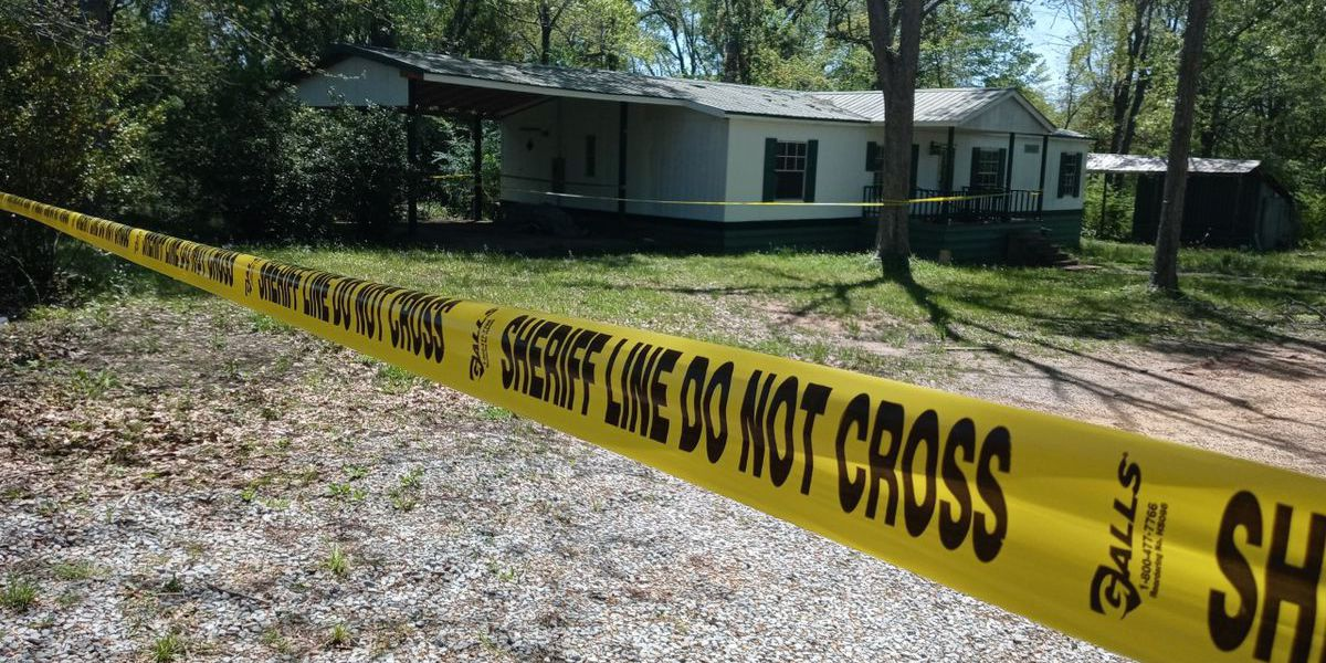 Body found in driveway of abandoned Scott Co. home had been shot multiple times