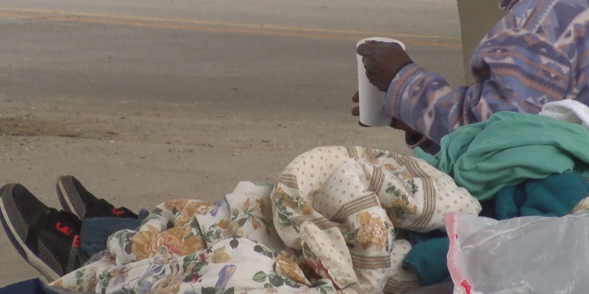 Tupelo mayor wants to hire homeless people to pick up trash