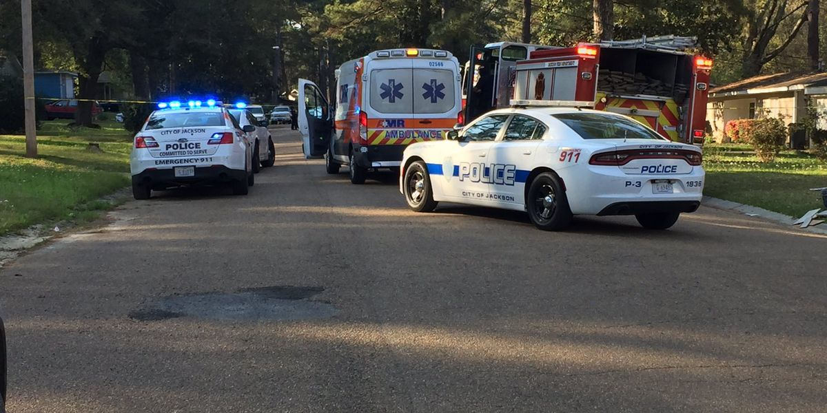 Jackson firefighter shoots at attempted robber; suspect still on the run